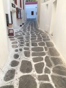 Mykonos paving