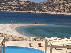 Aqua Petra Hotel beach