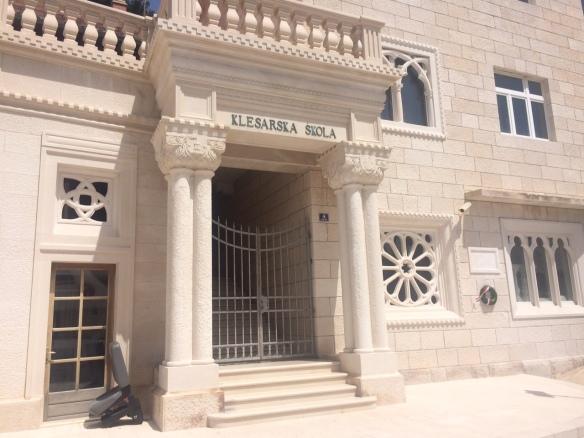 Brac - masonry school